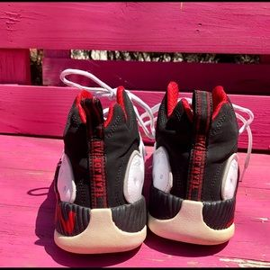 Jordan Shoes - Jordan Jumpman Team II